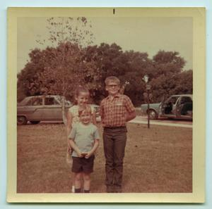 [Photograph of Tarver Siblings Out-of-Doors]