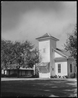 Primary view of object titled 'First Christian Church, Richardson, Texas'.