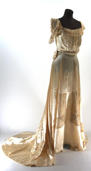 Primary view of object titled '[Wedding dress]'.