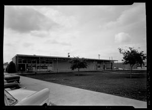 Primary view of object titled 'Crestview Shopping Center'.