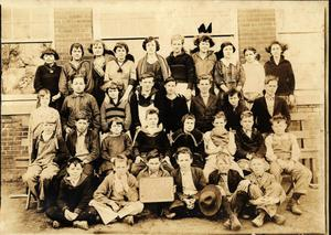 Primary view of object titled 'Irving School Fifth Grade Class, 1922-23'.