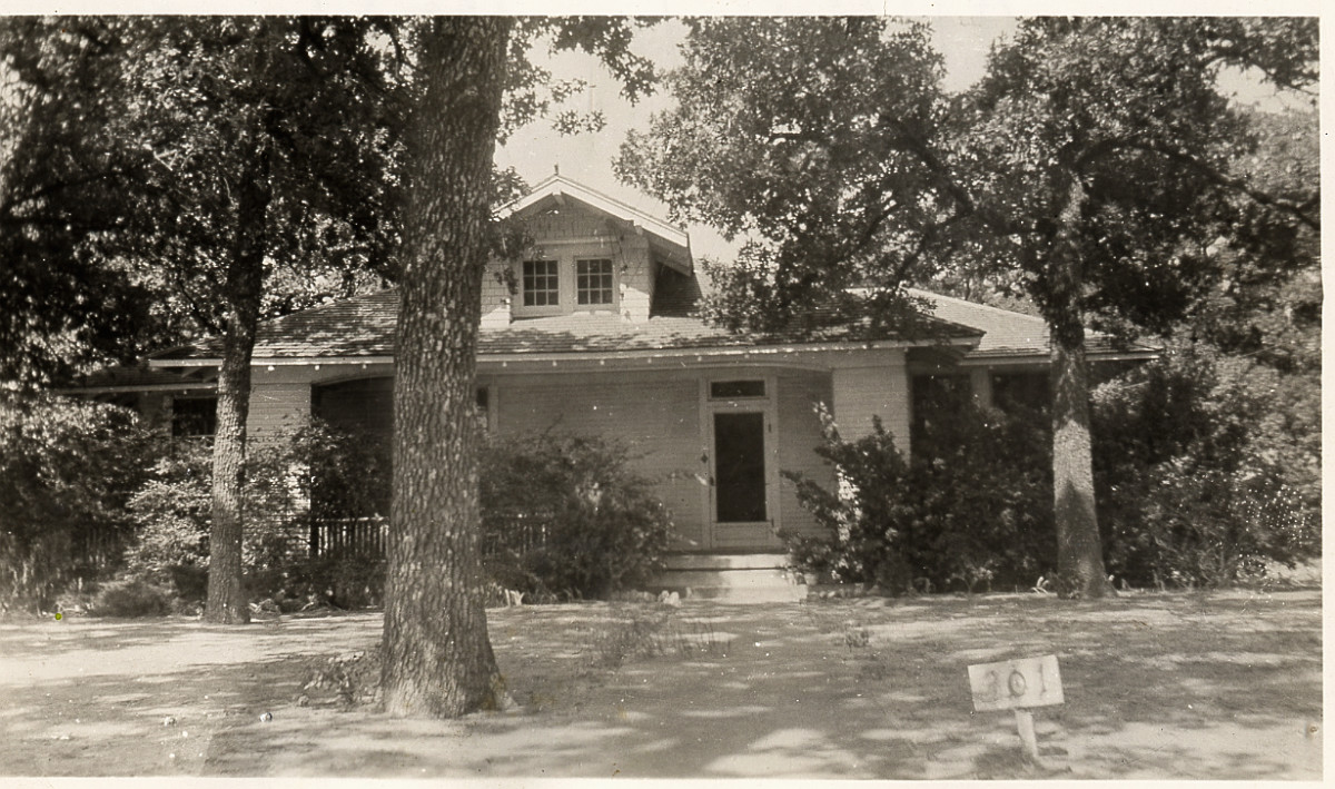 C. P. Schulze House in Irving, Texas                                                                                                      [Sequence #]: 1 of 1