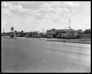 Primary view of object titled 'Mobil station at Airport & Gunter'.