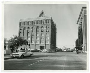Primary view of object titled '[Exterior of the Texas School Book Depository]'.