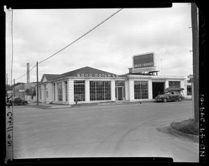 Primary view of object titled 'Goad Motor Company, Guadalupe at 2nd Street - Exterior shots of building'.