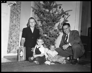 Primary view of object titled 'Judge Betts Family Christmas'.