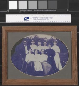 Primary view of object titled '[Unidentified Group of People]'.