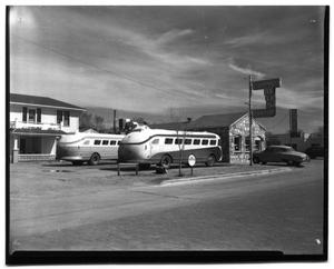 Primary view of object titled '[Continental Bus Center and Cafe in Childress, Texas]'.