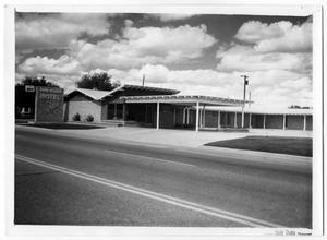 Primary view of object titled '[Ranchouse Motel]'.