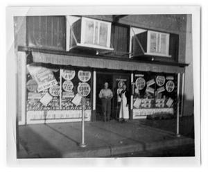 Primary view of object titled 'Helpy Selfy Grocery Store, owned by Rushing Family'.