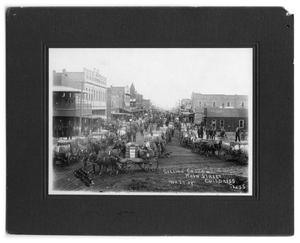 Primary view of object titled 'Selling Cotton on Main Street, November 27, 1909'.