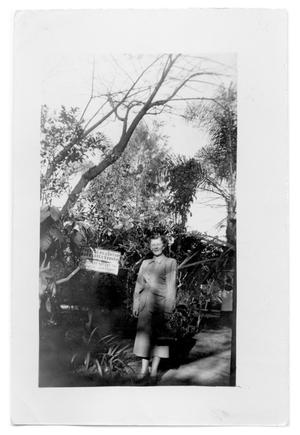 Primary view of object titled '[Photograph of Woman in Fortin de Las Flores]'.