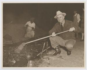 Primary view of object titled '[W. Lee O'Daniel at Barbecue]'.