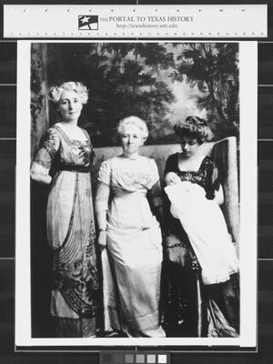 Primary view of object titled '[Family portrait of four women and child]'.