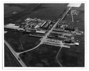 Primary view of object titled '[Aerial view of Gulf Oil Co.]'.