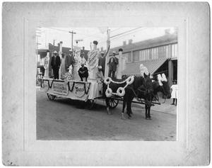 Primary view of object titled 'Parade Floats - Fort Worth Advertising Men's Club, ca. 1890'.