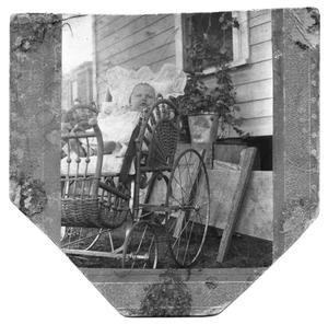 Primary view of object titled 'Alta Beall Blanton in a Carriage'.