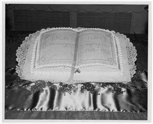 Primary view of object titled '[Cake celebrating Beth-El Congregation's 50th anniversary]'.
