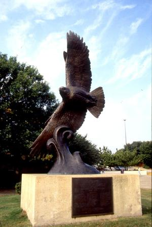 Primary view of object titled '[Eagle statue at University of North Texas]'.