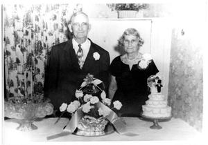 Primary view of object titled '[Wedding anniversary of Bob and Erin Carr]'.