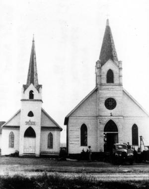 Primary view of object titled '[New Bern Church with automobile]'.