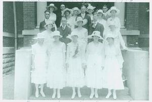 Primary view of object titled '[1918 Longview High School Graduating Class]'.