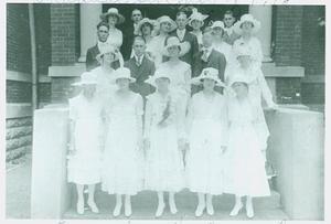 [1918 Longview High School Graduating Class]