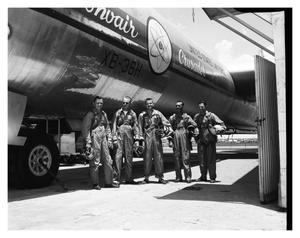 Primary view of object titled 'Group Shot of Crew of XB-36H #242'.