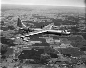 Primary view of object titled 'B-36D #92 In Flight'.
