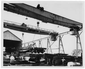[Preparation of railcars for transportation]