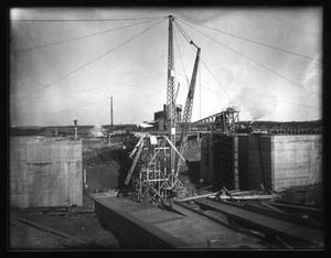 Primary view of object titled 'Sabine-Neches: S.N. Guard Lock'.
