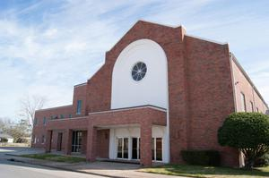 Primary view of object titled '[Exterior of First Baptist Church]'.