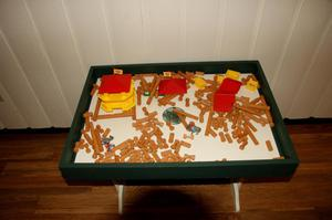 Primary view of object titled '[Photograph of Lincoln Logs]'.