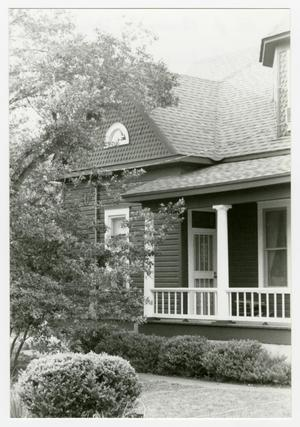 Primary view of object titled '[Richard J. and Annie Brieger House Photograph #6]'.