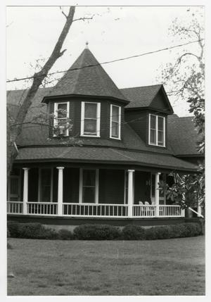 Primary view of object titled '[Richard J. and Annie Brieger House Photograph #5]'.