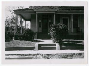 Primary view of object titled '[Photograph of a House on Browder Street]'.