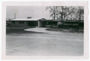 Primary view of object titled '[Photograph of House on San Pedro Parkway in Dallas]'.