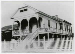 Primary view of object titled '[Henry C. Henck, Jr. House Photograph #2]'.