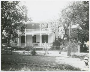 Primary view of object titled '[T. J. and Mary Lelia Dick House Photograph #1]'.
