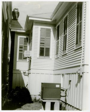 Primary view of object titled '[A. Wilkins Miller Cottage Photograph #4]'.