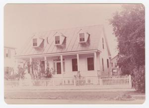 Primary view of object titled '[Poole-Parker House Photograph #3]'.