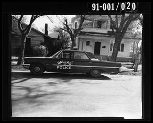 Primary view of object titled '[Tippit Shooting, Car View from East 404 and East 10th]'.