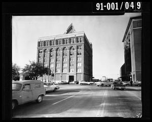 Primary view of object titled 'Exterior of the Texas School Book Depository [Negative]'.