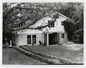 Primary view of object titled '[Walch Home Photograph #3]'.