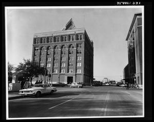 Primary view of object titled 'Texas School Book Depository Exterior [Print]'.