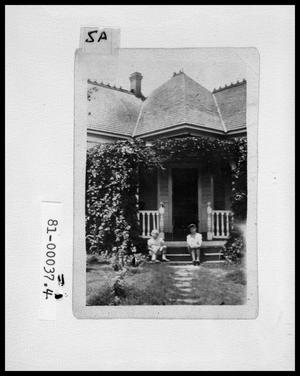 Primary view of object titled 'Exterior View of B. F. Cox Home'.