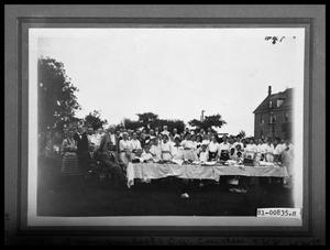 Primary view of object titled 'Simmons College Picnic'.