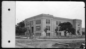 Primary view of object titled 'Manual arts building, North Texas State Normal College'.