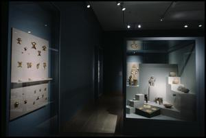 Primary view of object titled 'Dallas Museum of Art Installation: Pre-Columbian Art, 1999-2000 [Photograph DMA_90019-04]'.