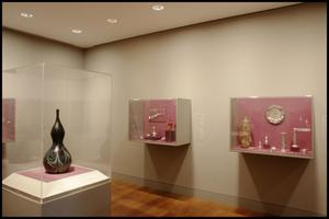 Primary view of object titled 'Dallas Museum of Art Installation: American Decorative Arts [Photograph DMA_90010-18]'.